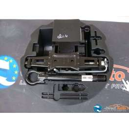 cric depannage roue de secours renault clio 4